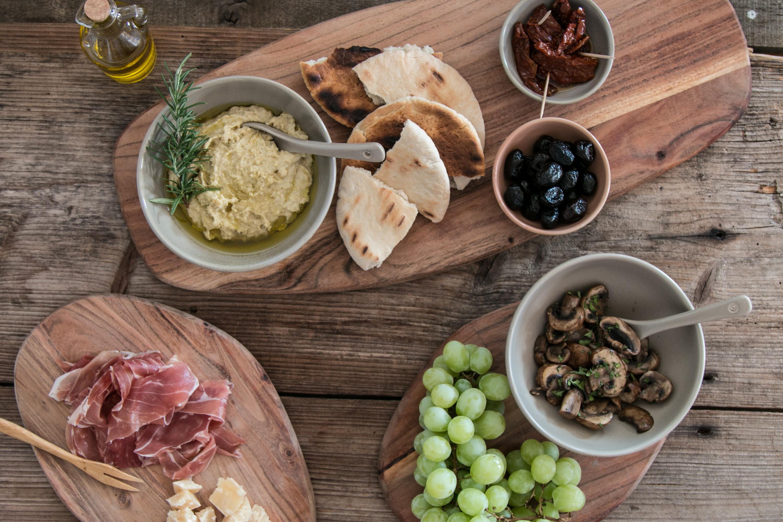 Apéro, Oliven, Hummus, Marinierte Pilze