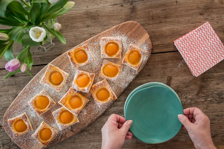 Aprikosen, Blätterteig, schnelles Gebäck, einfaches Dessertrezept
