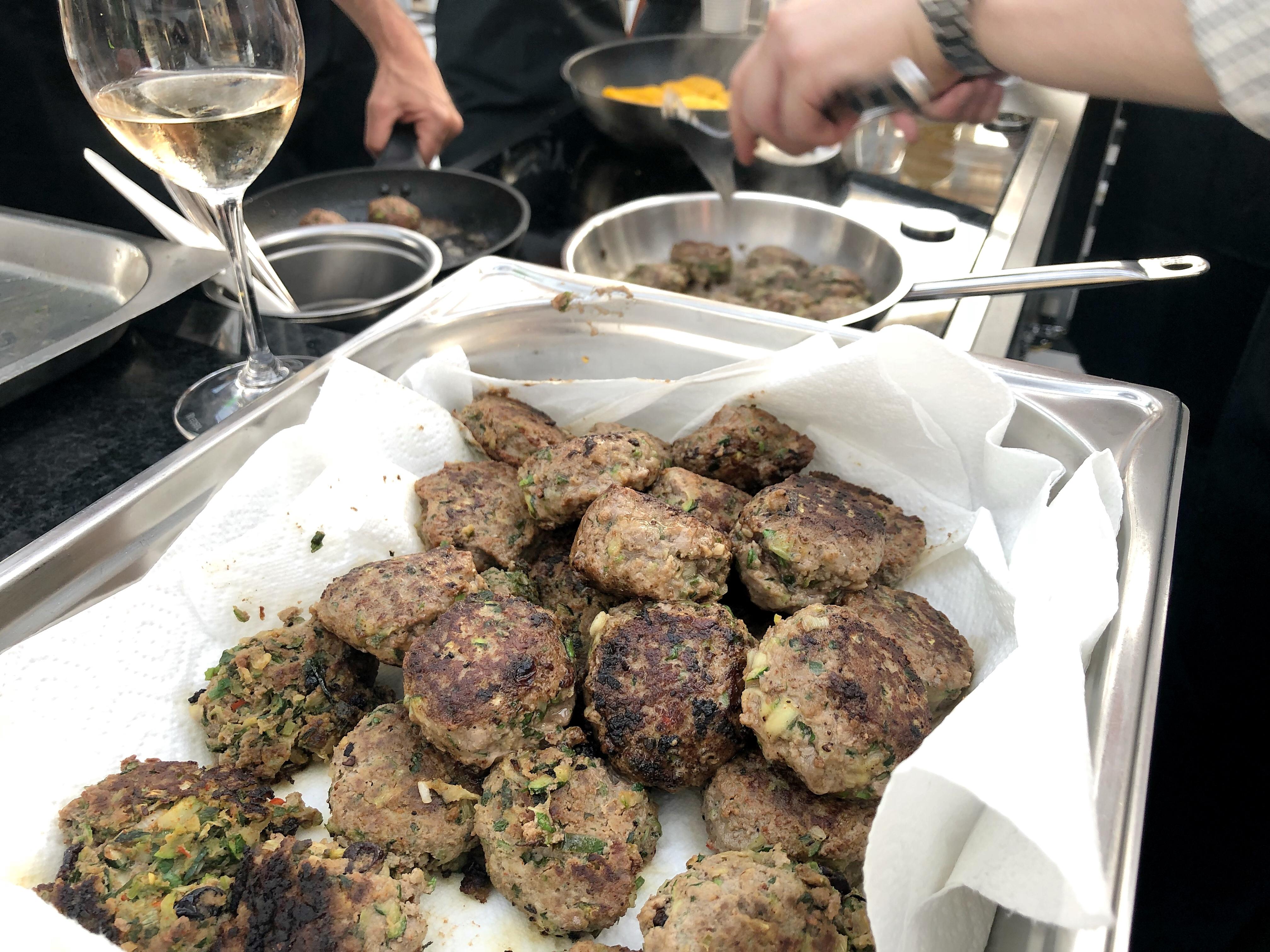 Fleischbällchen Meatballs Frikadellen Orientalisch Rezept