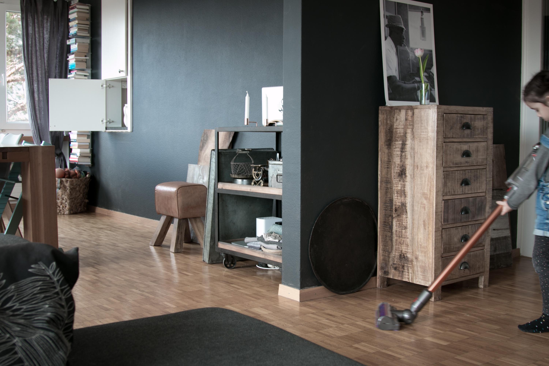 dyson v8 und v10 der vergleich wer kann mehr. Black Bedroom Furniture Sets. Home Design Ideas