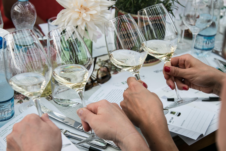 Weisswein vergleichen mehr über Wein erfahren