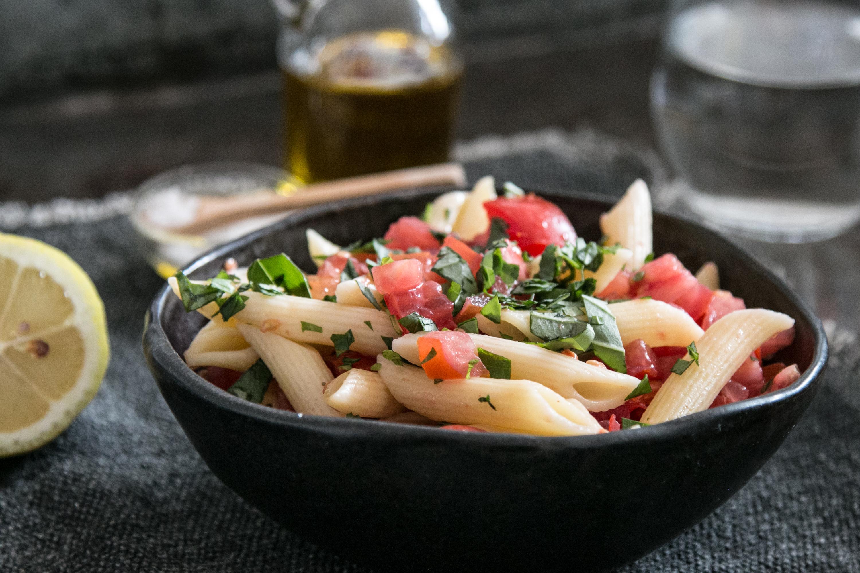 Pastasalat Teigwarensalat Pennesalat schnelle Rezepte mit Tomaten