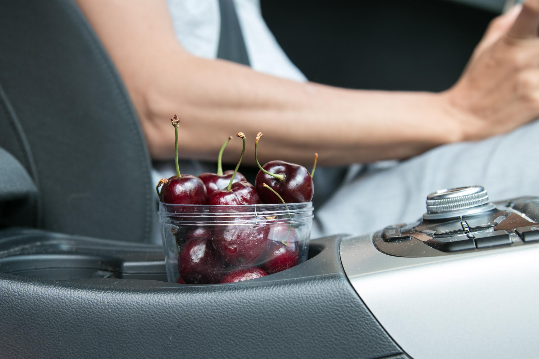 Snack während der Autofahrt Tipps für lange Fahrten