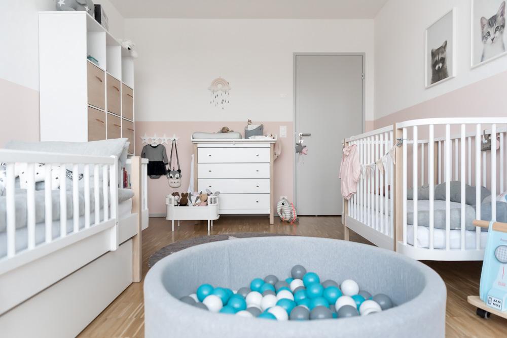 Bällebad im Kinderzimmer Miniundstil