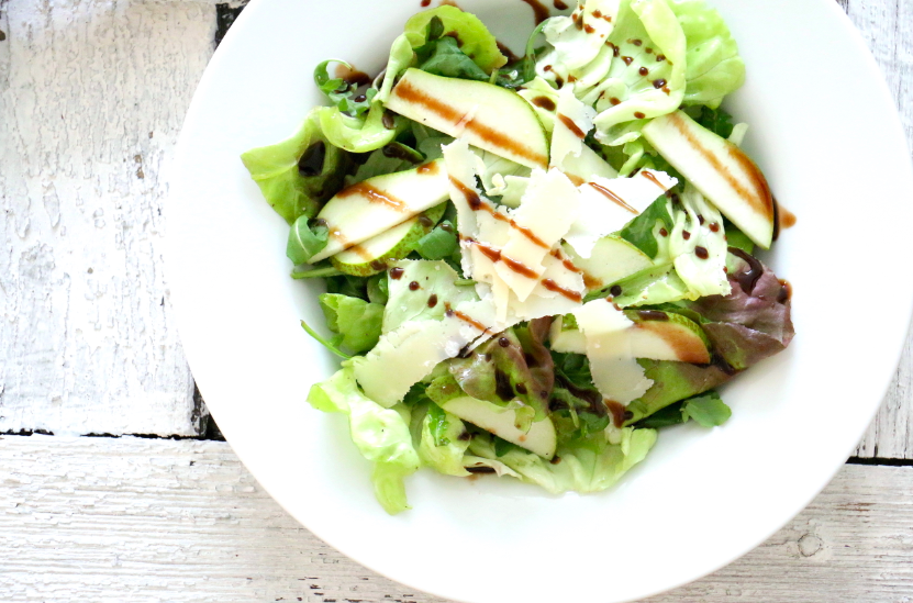 Salat-Parmesan-Rucola-Birnen