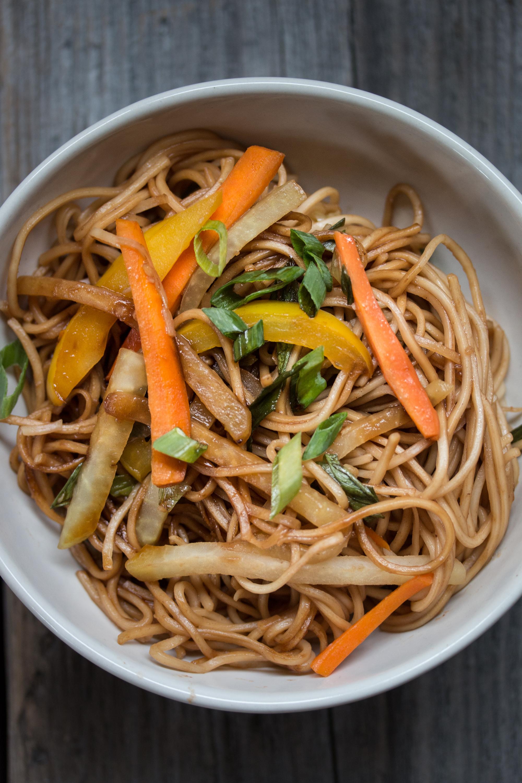 Schnelle Teriyaki Nudeln vegetarisches Rezept