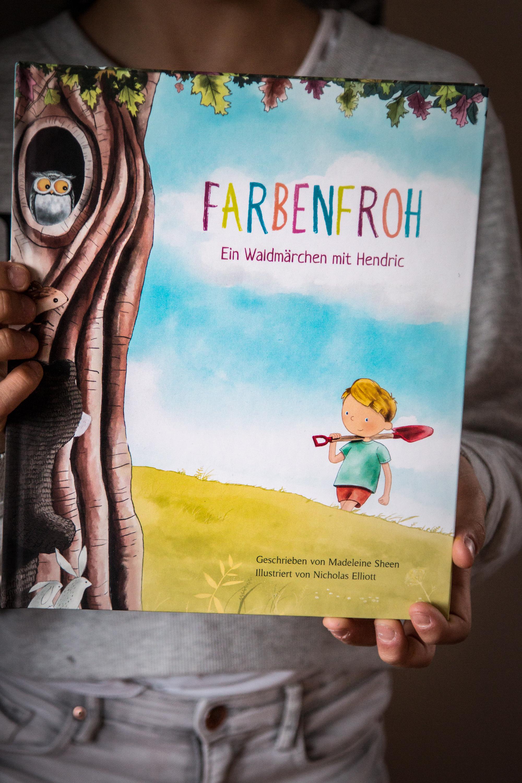 Farbenfroh personalisiertes Buch zum Verschenken