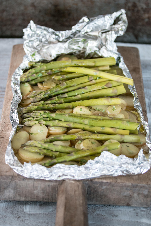 Ofenrezept mit Spargeln und Kartoffeln