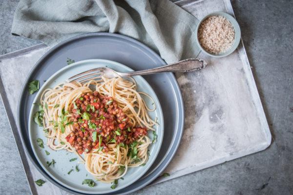 Vegane Spaghetti mit Linsenbolognese Rezept