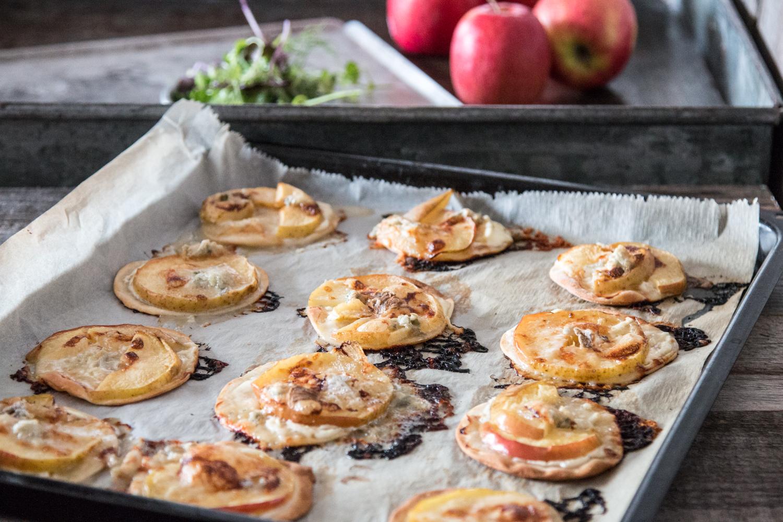 Flammkuchen Rezept mit Apfel und Gorgonzola